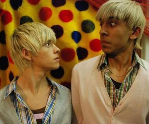 anwar, maxxie, and skins image
