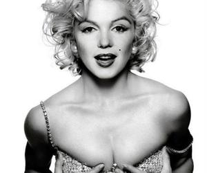 Marilyn Monroe, madonna, and black and white image