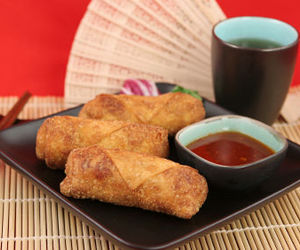 chinese, chinese food, and egg rolls image