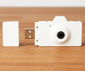 usb, camera, and white image