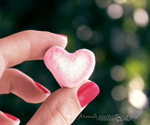 bokeh, hand, and heart shape image