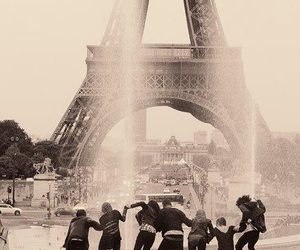 paris, miley cyrus, and friends image