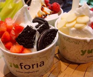 food, oreo, and strawberry image