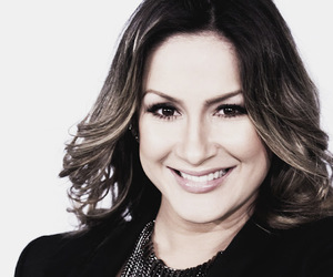photography and claudia leitte image