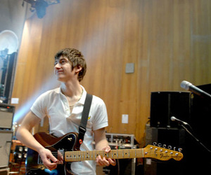 alex turner and guitar image