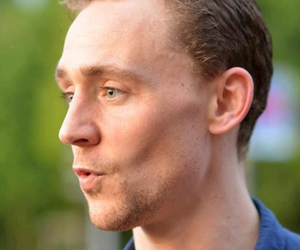 tom hiddleston and uk actor image