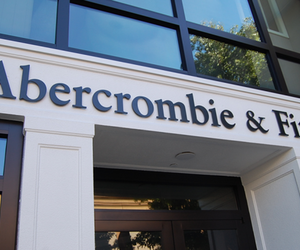 abercrombie & fitch and store image
