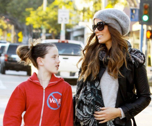 Kate Beckinsale and her daughter image