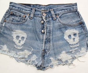 shorts and skull image