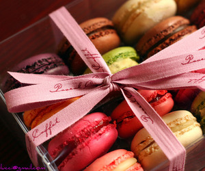 box, loop, and macarons image