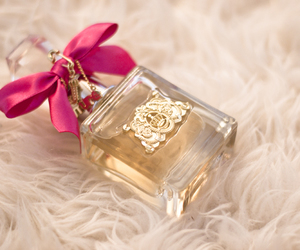 gold, ♥, and perfume image