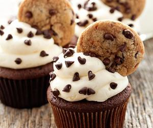 chip, cupcake, and cupcakes image