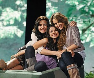 best friends, miley cyrus, and bff image