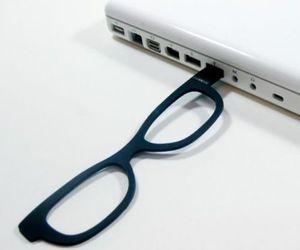eua, oculos, and pendrive image