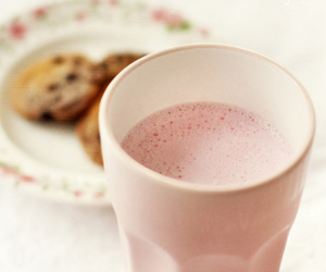 bokeh, strawberry milk, and Cookies image