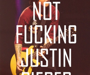 green day, billie joe armstrong, and justin bieber image