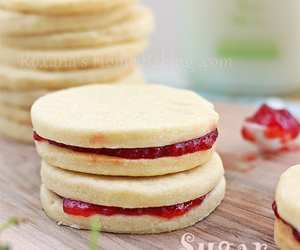 cupcakes, recipe, and dessert image