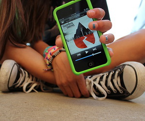 girl, iphone, and sleeping with sirens image
