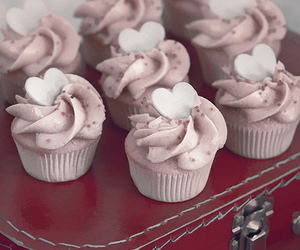 cupcake and heart image