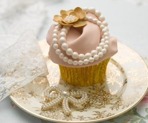 cupcake, sweet, and pearls image