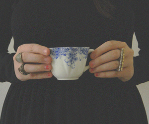 rings and tea image