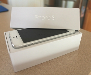 iphone 5, white, and iphone image