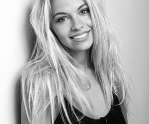 90's, black and white, and blonde image