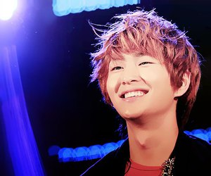 Onew, cute, and SHINee image