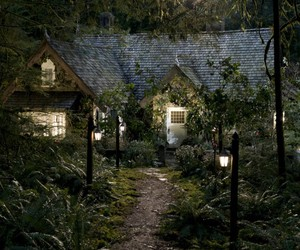 twilight, house, and breaking dawn image