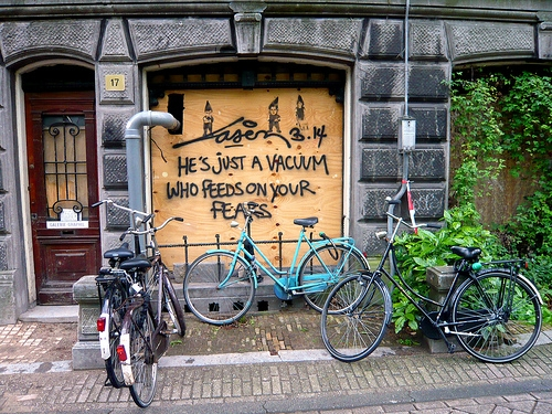 bycicle, bycicles, and graffiti image