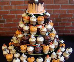 cupcake, Halloween, and cake image
