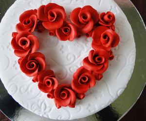 cake, pretty, and red image