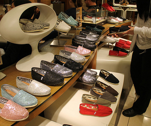 toms, fashion, and shoes image