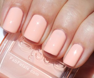 nails, essie, and pretty image