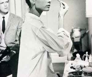 audrey hepburn, black and white, and Breakfast at Tiffany's image