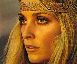sharon tate, hippie, and 70s image