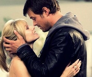 couple, josh duhamel, and when in rome image