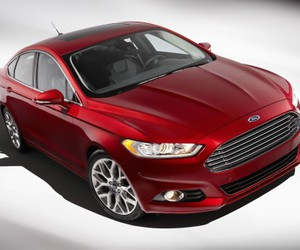 eco-friendly car, ford fusion, and gren car image