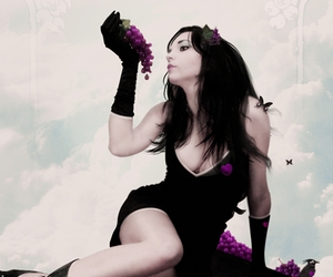 girl, modelmayhem, and grapes image