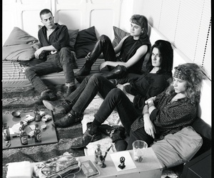 black and white, room, and heroes del silencio image