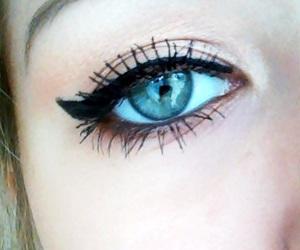 beautiful, eyeshadow, and girl image