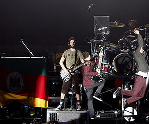 2012, brasil, and living things tour image