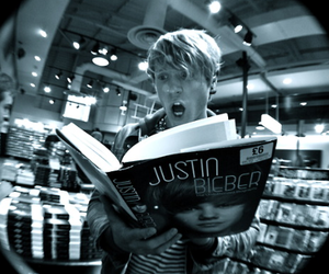 justin bieber, McFly, and dougie poynter image