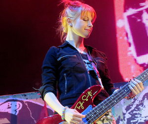hayley williams, paramore, and Taylor Swift image