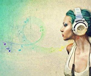music and @chapeuziiinho image