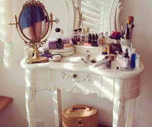 beautiful, mirror, and set image