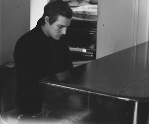 piano, the maine, and john o'callaghan image