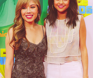selena gomez, jennette mccurdy, and girl image
