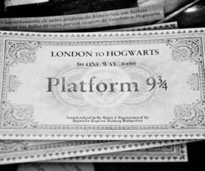 harry potter, platform 9 3 4, and hogwarts image