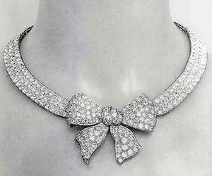 jewelry, diamond, and emerald image